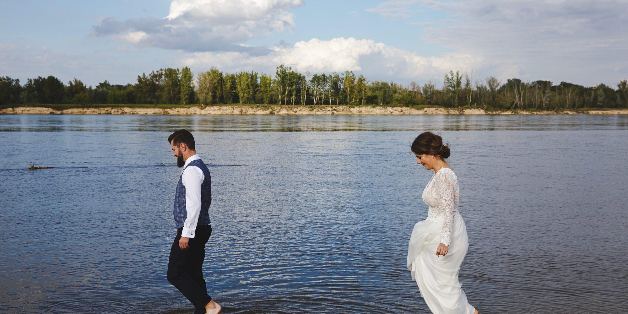 Plenerowa sesja ślubna, fotografia ślubna w Warszawie, Sesja plenerowa nad Wisłą,